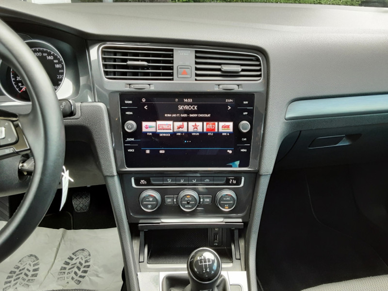Photo 44 de l'offre de VOLKSWAGEN GOLF 7  TDI 115 BMT FAP Confortline Business à 17800€ chez Centrale auto marché Périgueux