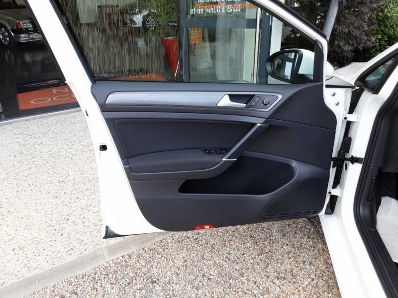 Photo 12 de l'offre de VOLKSWAGEN GOLF 7  TDI 115 BMT FAP Confortline Business à 17800€ chez Centrale auto marché Périgueux
