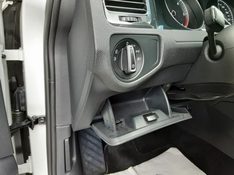 Photo 47 de l'offre de VOLKSWAGEN GOLF 7  TDI 115 BMT FAP Confortline Business à 17800€ chez Centrale auto marché Périgueux