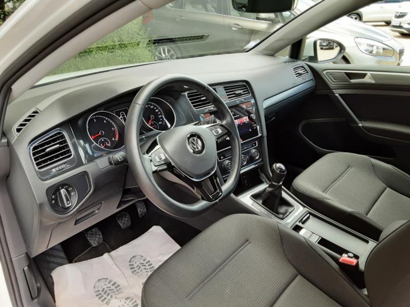 Photo 17 de l'offre de VOLKSWAGEN GOLF 7  TDI 115 BMT FAP Confortline Business à 17800€ chez Centrale auto marché Périgueux