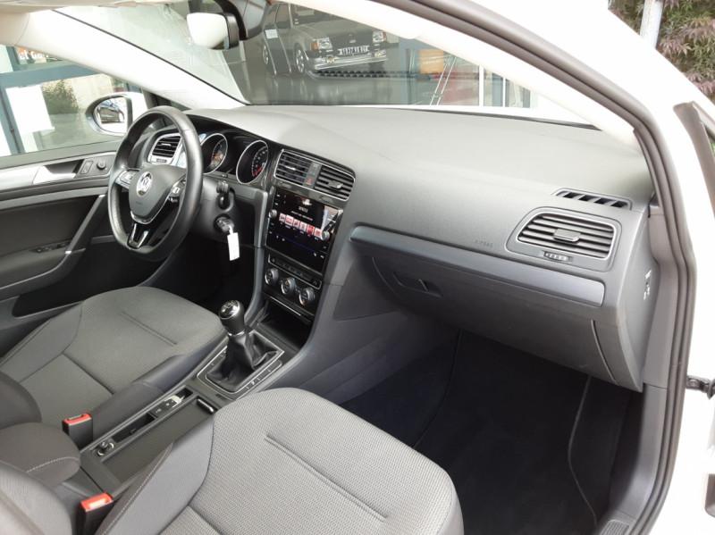 Photo 28 de l'offre de VOLKSWAGEN GOLF 7  TDI 115 BMT FAP Confortline Business à 17800€ chez Centrale auto marché Périgueux