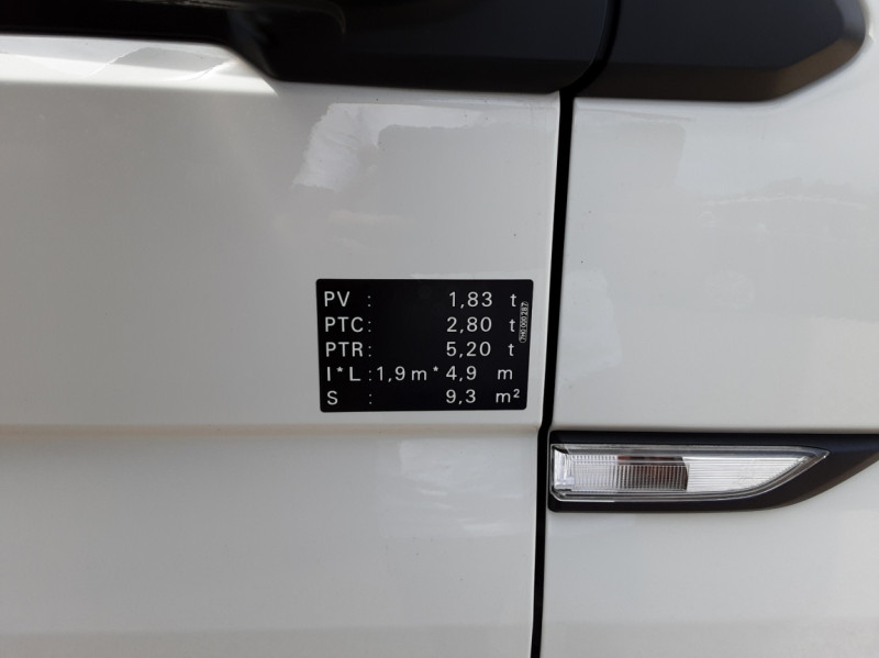 Photo 2 de l'offre de VOLKSWAGEN TRANSPORTER L1H1 2.0 TDI 150 BUSINESS à 19990€ chez Centrale auto marché Périgueux