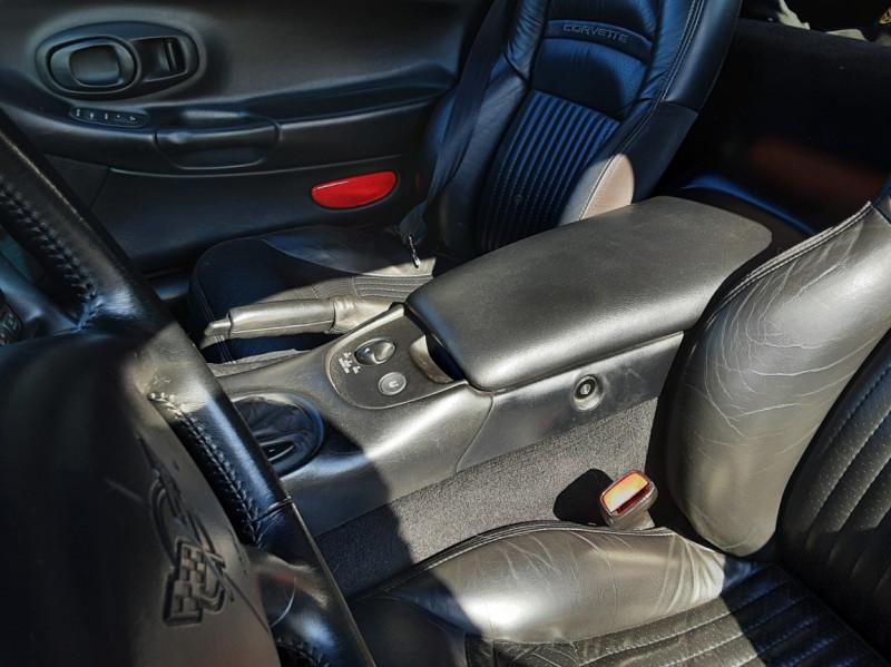 Photo 46 de l'offre de CHEVROLET CORVETTE Cabriolet 5.7 V8 A à 24500€ chez Centrale auto marché Périgueux