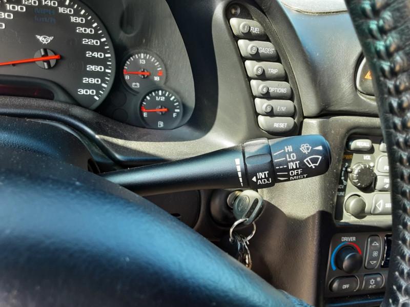 Photo 45 de l'offre de CHEVROLET CORVETTE Cabriolet 5.7 V8 A à 24500€ chez Centrale auto marché Périgueux