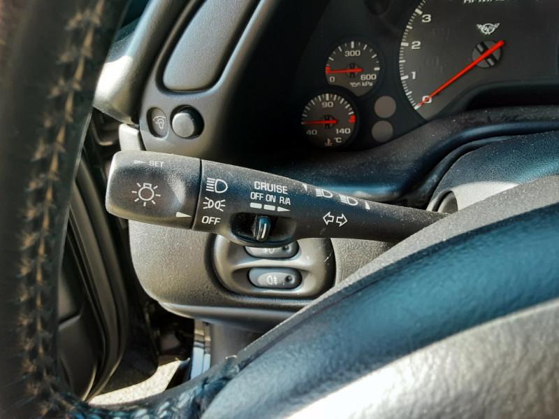 Photo 36 de l'offre de CHEVROLET CORVETTE Cabriolet 5.7 V8 A à 24500€ chez Centrale auto marché Périgueux