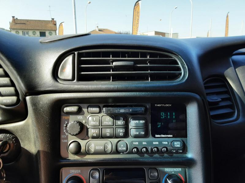 Photo 34 de l'offre de CHEVROLET CORVETTE Cabriolet 5.7 V8 A à 24500€ chez Centrale auto marché Périgueux