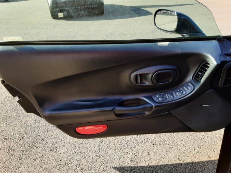 Photo 40 de l'offre de CHEVROLET CORVETTE Cabriolet 5.7 V8 A à 24500€ chez Centrale auto marché Périgueux