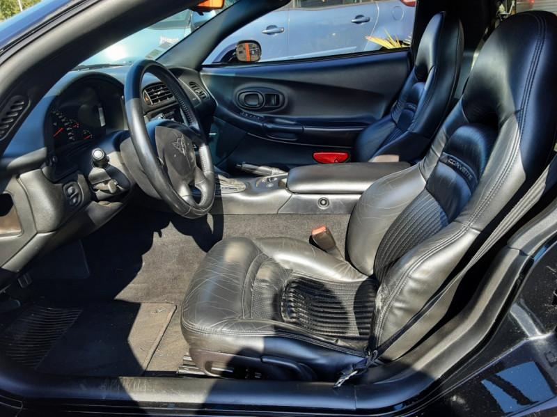 Photo 14 de l'offre de CHEVROLET CORVETTE Cabriolet 5.7 V8 A à 24500€ chez Centrale auto marché Périgueux