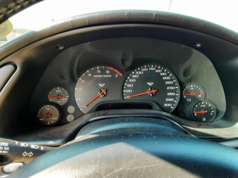 Photo 11 de l'offre de CHEVROLET CORVETTE Cabriolet 5.7 V8 A à 24500€ chez Centrale auto marché Périgueux