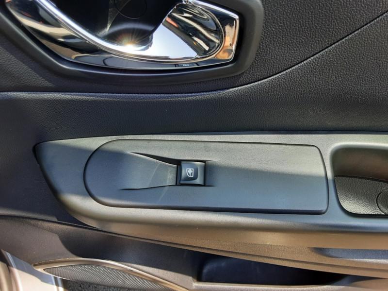 Photo 43 de l'offre de RENAULT CAPTUR dCi 110 Energy Business à 12490€ chez Centrale auto marché Périgueux
