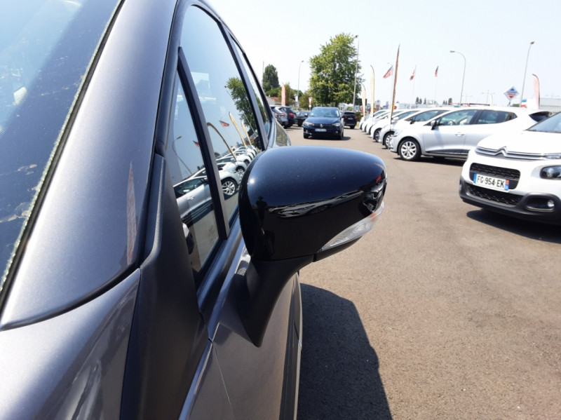 Photo 17 de l'offre de RENAULT CAPTUR dCi 110 Energy Business à 12490€ chez Centrale auto marché Périgueux
