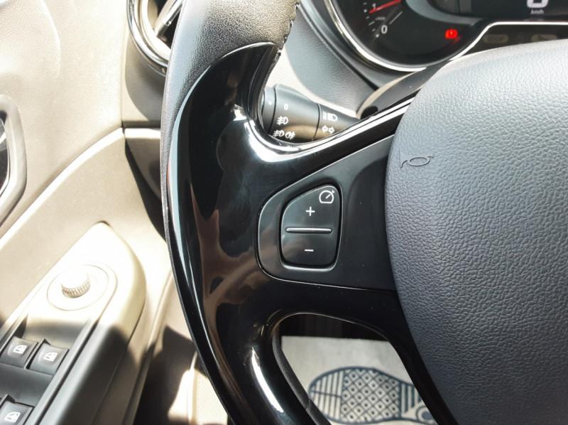 Photo 35 de l'offre de RENAULT CAPTUR dCi 110 Energy Business à 12490€ chez Centrale auto marché Périgueux