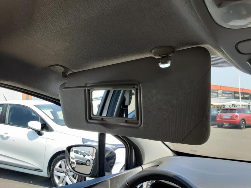 Photo 27 de l'offre de RENAULT CAPTUR dCi 110 Energy Business à 12490€ chez Centrale auto marché Périgueux