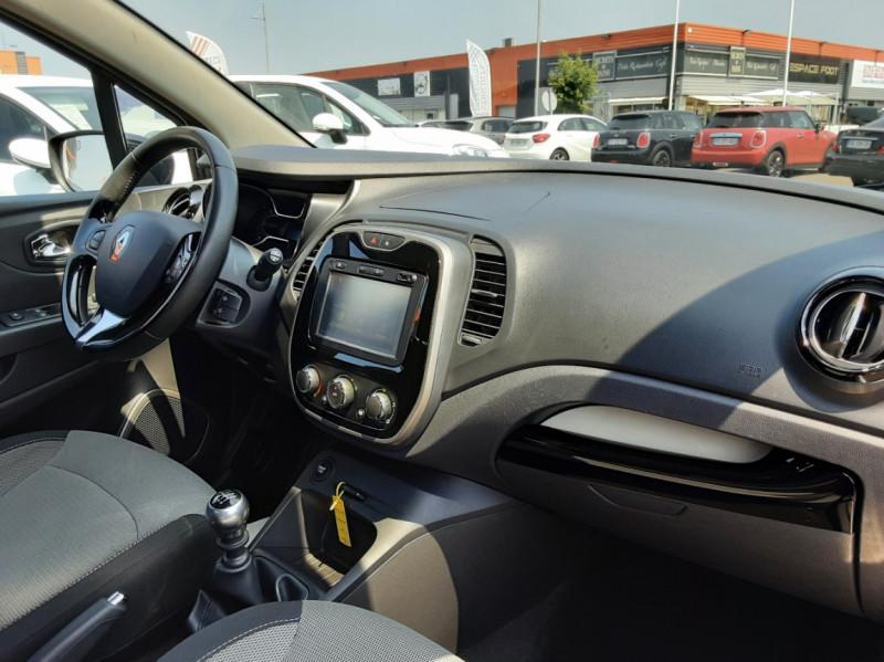 Photo 10 de l'offre de RENAULT CAPTUR dCi 110 Energy Business à 12490€ chez Centrale auto marché Périgueux