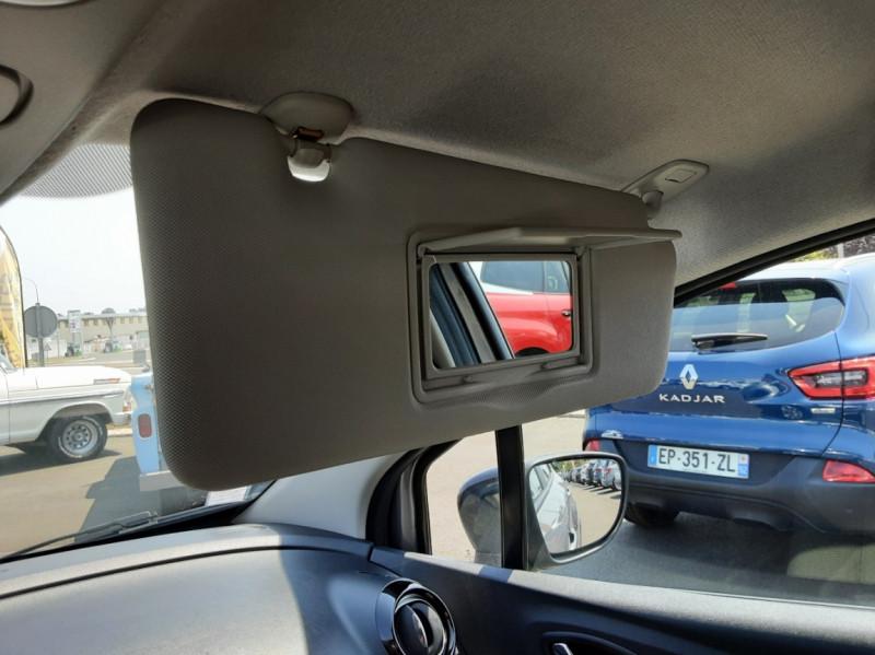 Photo 23 de l'offre de RENAULT CAPTUR dCi 110 Energy Business à 12490€ chez Centrale auto marché Périgueux