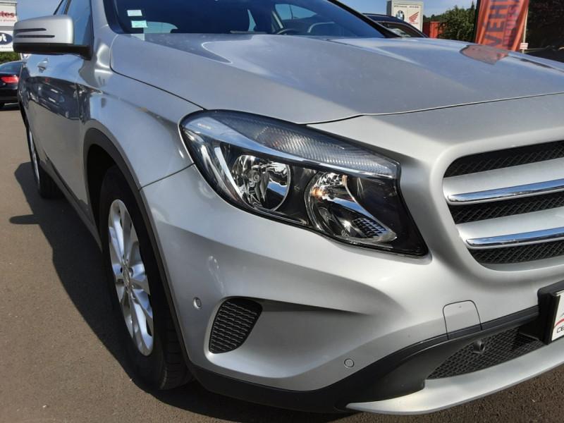 Photo 7 de l'offre de MERCEDES-BENZ CLASSE GLA 200 d Inspiration 7-G DCT A à 21800€ chez Centrale auto marché Périgueux