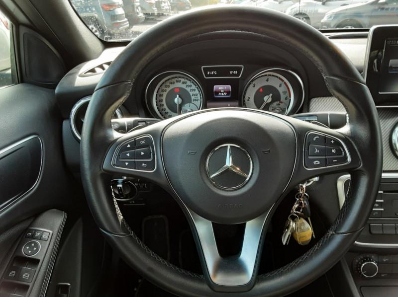 Photo 10 de l'offre de MERCEDES-BENZ CLASSE GLA 200 d Inspiration 7-G DCT A à 21800€ chez Centrale auto marché Périgueux