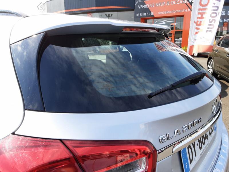 Photo 36 de l'offre de MERCEDES-BENZ CLASSE GLA 200 d Inspiration 7-G DCT A à 21800€ chez Centrale auto marché Périgueux