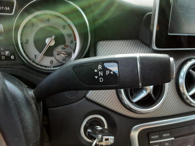 Photo 37 de l'offre de MERCEDES-BENZ CLASSE GLA 200 d Inspiration 7-G DCT A à 21800€ chez Centrale auto marché Périgueux