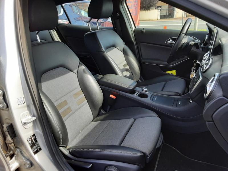 Photo 12 de l'offre de MERCEDES-BENZ CLASSE GLA 200 d Inspiration 7-G DCT A à 21800€ chez Centrale auto marché Périgueux