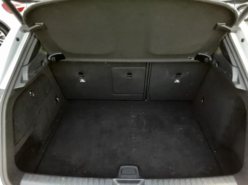 Photo 50 de l'offre de MERCEDES-BENZ CLASSE GLA 200 d Inspiration 7-G DCT A à 21800€ chez Centrale auto marché Périgueux