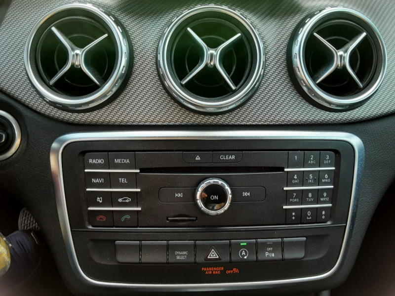 Photo 40 de l'offre de MERCEDES-BENZ CLASSE GLA 200 d Inspiration 7-G DCT A à 21800€ chez Centrale auto marché Périgueux