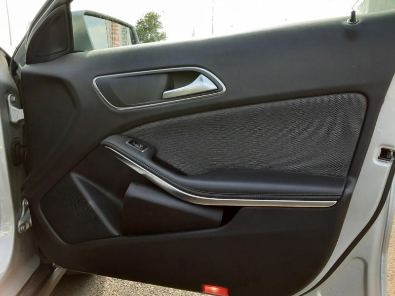 Photo 39 de l'offre de MERCEDES-BENZ CLASSE GLA 200 d Inspiration 7-G DCT A à 21800€ chez Centrale auto marché Périgueux