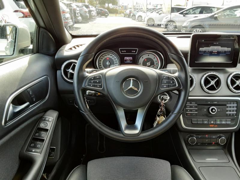 Photo 11 de l'offre de MERCEDES-BENZ CLASSE GLA 200 d Inspiration 7-G DCT A à 21800€ chez Centrale auto marché Périgueux