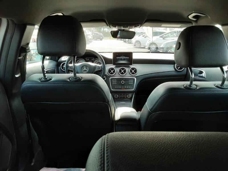 Photo 24 de l'offre de MERCEDES-BENZ CLASSE GLA 200 d Inspiration 7-G DCT A à 21800€ chez Centrale auto marché Périgueux