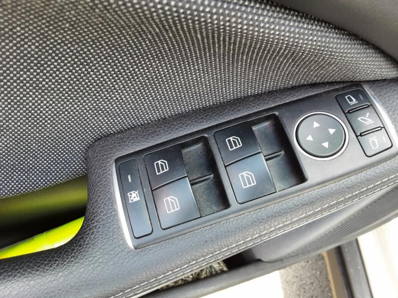 Photo 31 de l'offre de MERCEDES-BENZ CLASSE GLA 200 d Inspiration 7-G DCT A à 21800€ chez Centrale auto marché Périgueux
