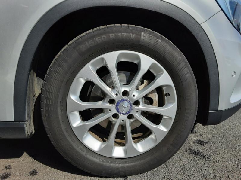 Photo 23 de l'offre de MERCEDES-BENZ CLASSE GLA 200 d Inspiration 7-G DCT A à 21800€ chez Centrale auto marché Périgueux