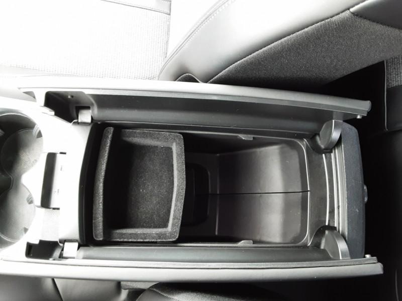 Photo 45 de l'offre de PEUGEOT 3008 1.6 BlueHDi 120ch SetS EAT6 Allure Business à 24990€ chez Centrale auto marché Périgueux