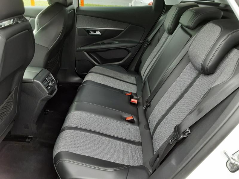 Photo 15 de l'offre de PEUGEOT 3008 1.6 BlueHDi 120ch SetS EAT6 Allure Business à 24990€ chez Centrale auto marché Périgueux