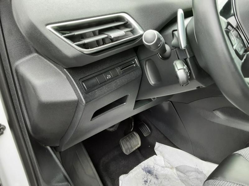 Photo 34 de l'offre de PEUGEOT 3008 1.6 BlueHDi 120ch SetS EAT6 Allure Business à 24990€ chez Centrale auto marché Périgueux