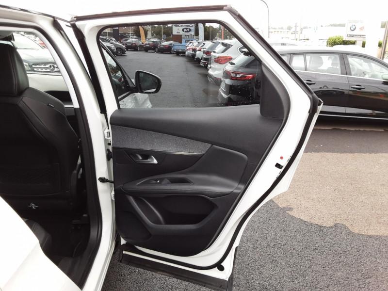 Photo 19 de l'offre de PEUGEOT 3008 1.6 BlueHDi 120ch SetS EAT6 Allure Business à 24990€ chez Centrale auto marché Périgueux