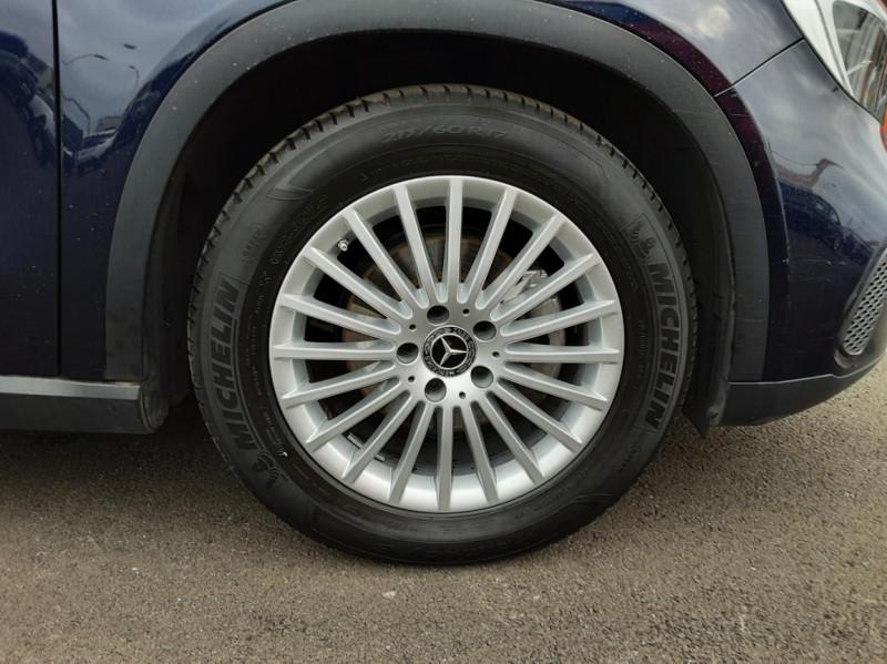 Photo 23 de l'offre de MERCEDES-BENZ CLASSE GLA 180 7-G DCT Intuition  à 24500€ chez Centrale auto marché Périgueux