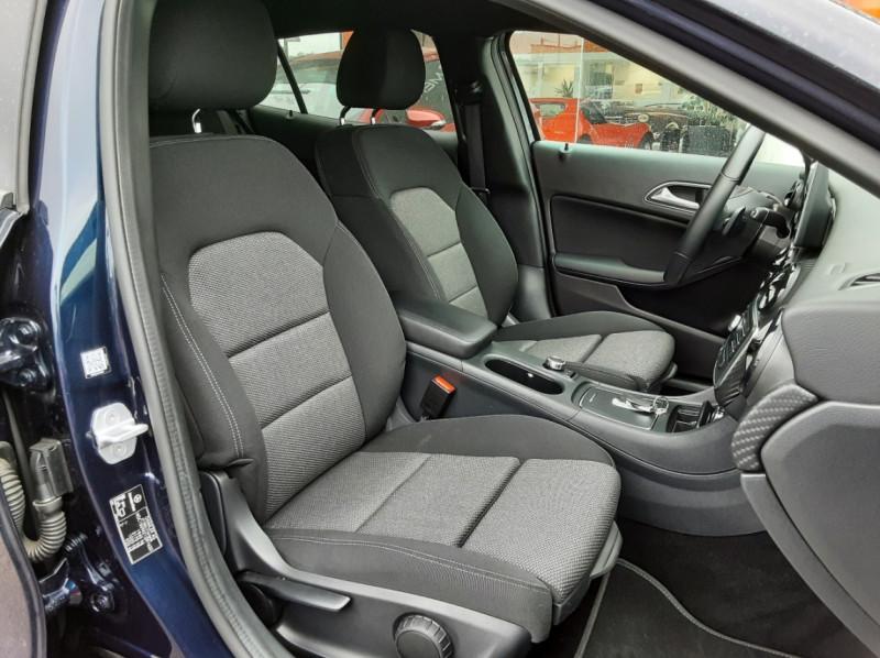 Photo 30 de l'offre de MERCEDES-BENZ CLASSE GLA 180 7-G DCT Intuition  à 24500€ chez Centrale auto marché Périgueux