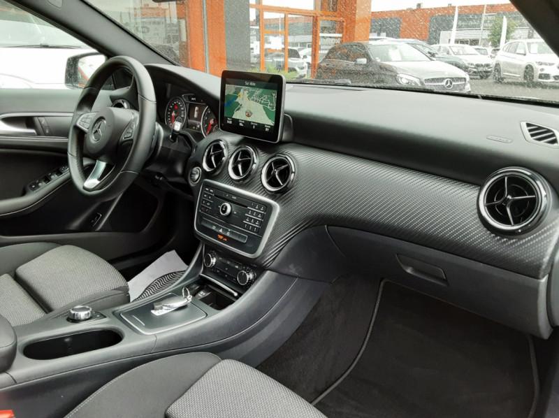 Photo 13 de l'offre de MERCEDES-BENZ CLASSE GLA 180 7-G DCT Intuition  à 24500€ chez Centrale auto marché Périgueux
