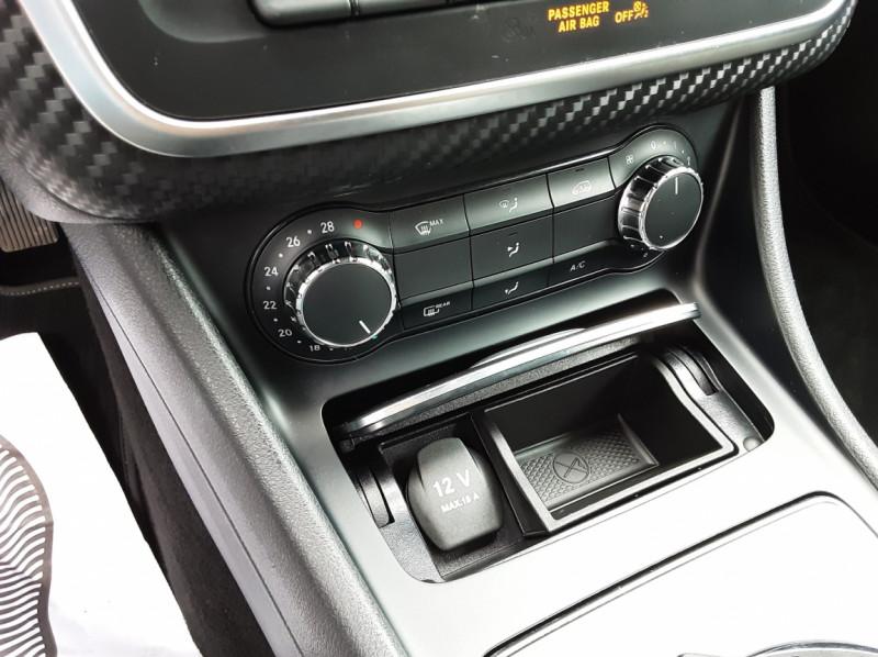 Photo 36 de l'offre de MERCEDES-BENZ CLASSE GLA 180 7-G DCT Intuition  à 24500€ chez Centrale auto marché Périgueux