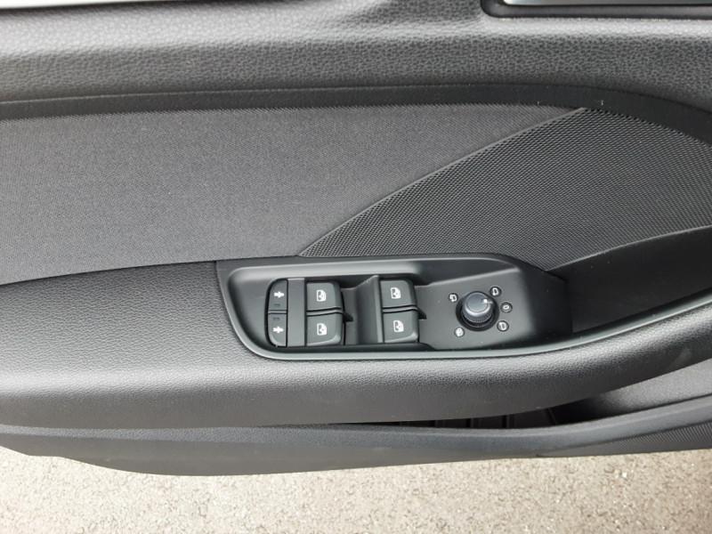 Photo 36 de l'offre de AUDI A3 Sportback 1.6 TDI 110 S tronic 7 à 18900€ chez Centrale auto marché Périgueux
