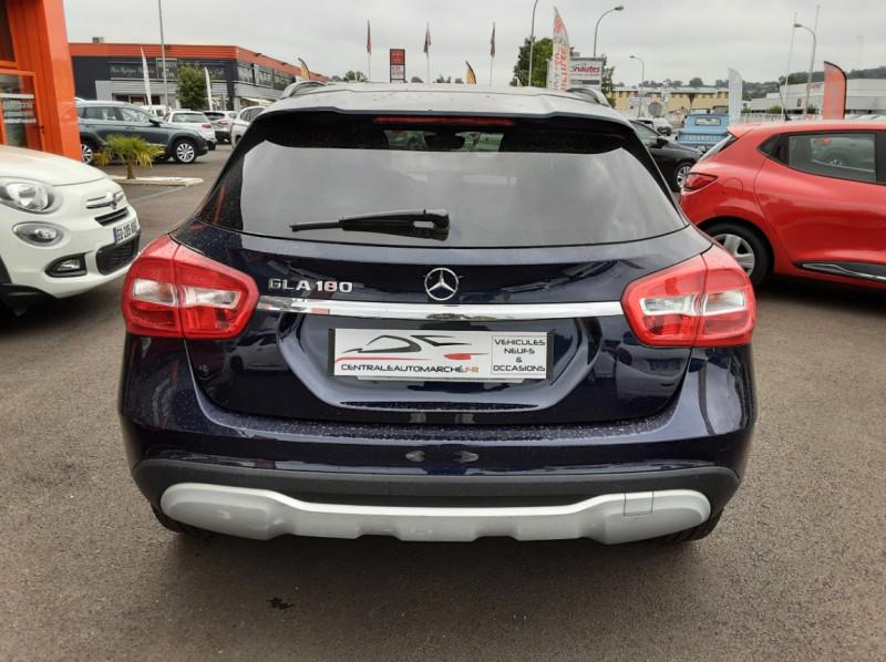 Photo 3 de l'offre de MERCEDES-BENZ CLASSE GLA 180 7-G DCT Intuition  à 24500€ chez Centrale auto marché Périgueux
