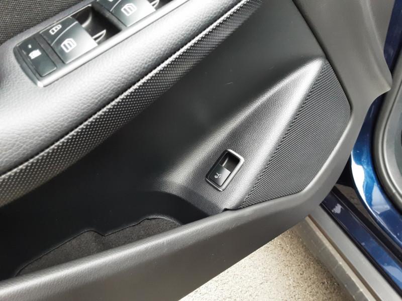 Photo 48 de l'offre de MERCEDES-BENZ CLASSE GLA 180 7-G DCT Intuition  à 24500€ chez Centrale auto marché Périgueux