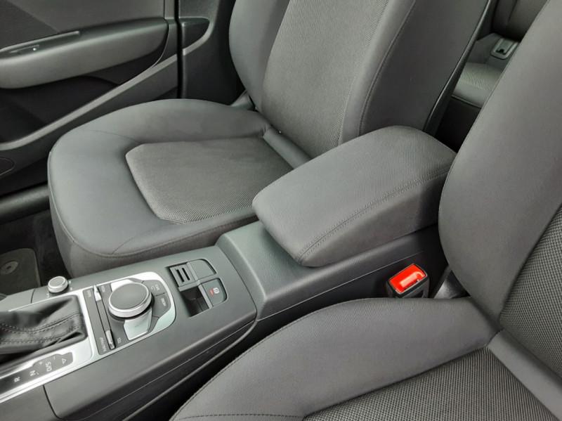 Photo 39 de l'offre de AUDI A3 Sportback 1.6 TDI 110 S tronic 7 à 18900€ chez Centrale auto marché Périgueux
