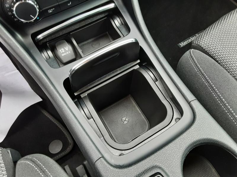Photo 37 de l'offre de MERCEDES-BENZ CLASSE GLA 180 7-G DCT Intuition  à 24500€ chez Centrale auto marché Périgueux
