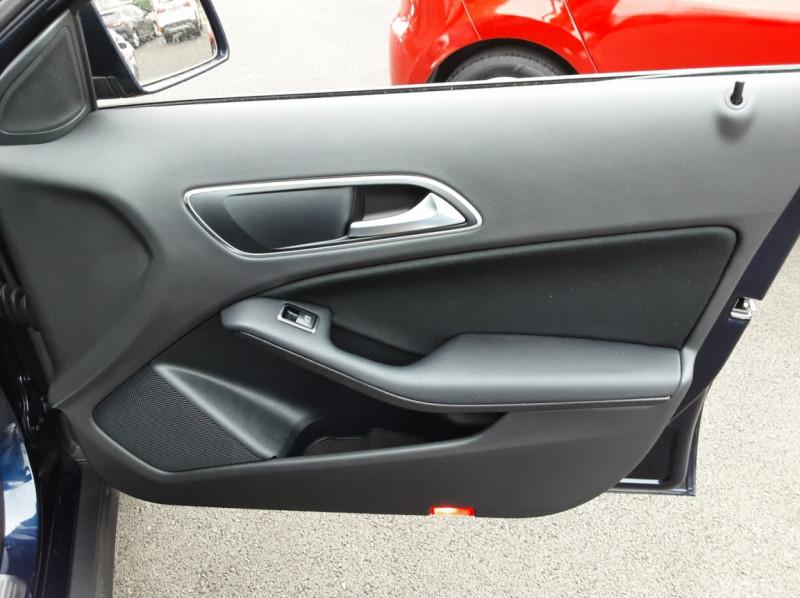Photo 46 de l'offre de MERCEDES-BENZ CLASSE GLA 180 7-G DCT Intuition  à 24500€ chez Centrale auto marché Périgueux