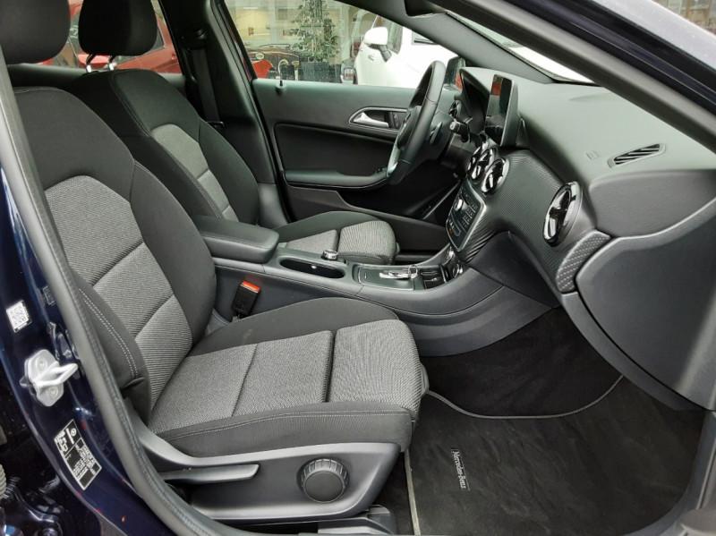 Photo 12 de l'offre de MERCEDES-BENZ CLASSE GLA 180 7-G DCT Intuition  à 24500€ chez Centrale auto marché Périgueux