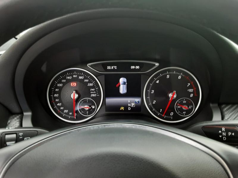 Photo 10 de l'offre de MERCEDES-BENZ CLASSE GLA 180 7-G DCT Intuition  à 24500€ chez Centrale auto marché Périgueux