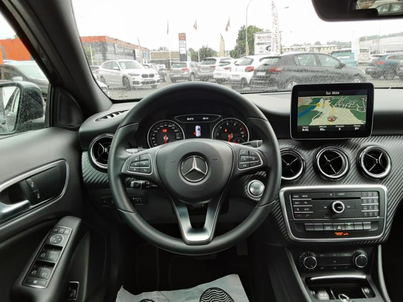 Photo 9 de l'offre de MERCEDES-BENZ CLASSE GLA 180 7-G DCT Intuition  à 24500€ chez Centrale auto marché Périgueux