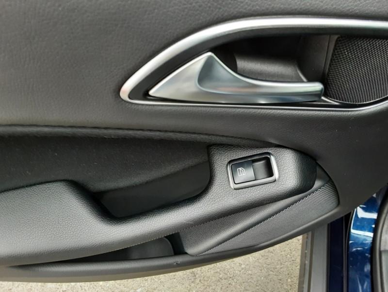 Photo 33 de l'offre de MERCEDES-BENZ CLASSE GLA 180 7-G DCT Intuition  à 24500€ chez Centrale auto marché Périgueux