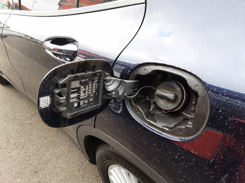 Photo 25 de l'offre de MERCEDES-BENZ CLASSE GLA 180 7-G DCT Intuition  à 24500€ chez Centrale auto marché Périgueux